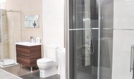 Exposición baños y duchas